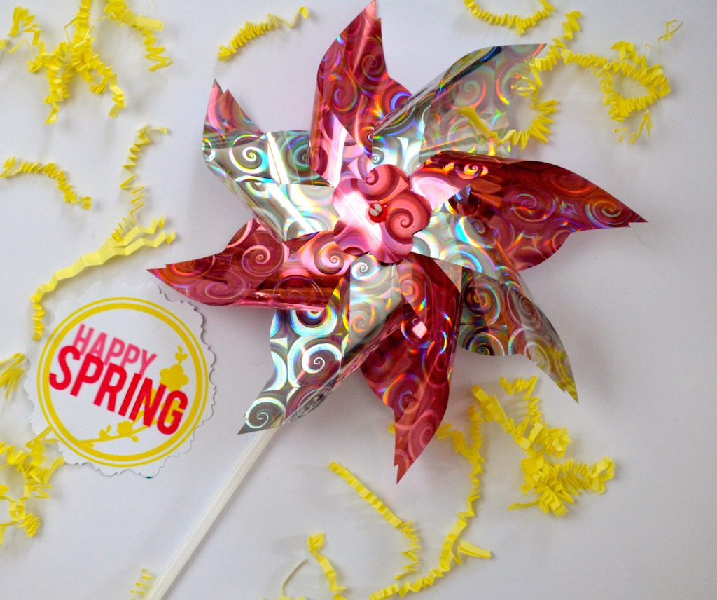 happy-spring-print-and-pinwheels
