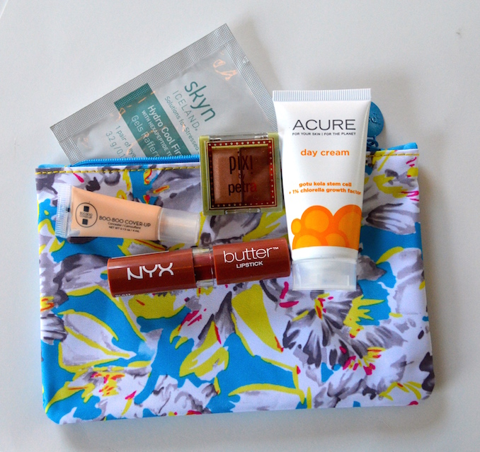 ipsy-march-glam-bag-collection-with-bag