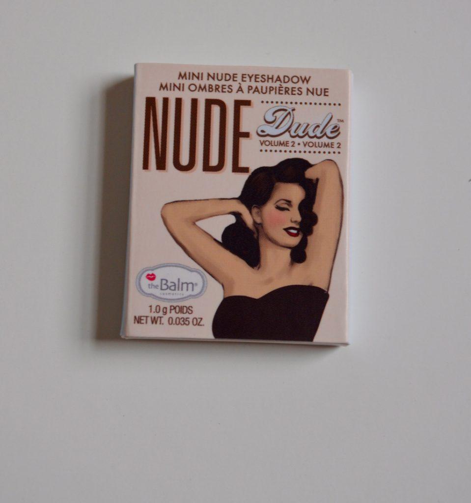 nudedudeeyeshadowsampleclosed